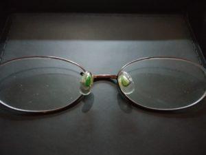 汚れたメガネ